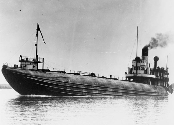 The Whaleback Steamer Henry Cort